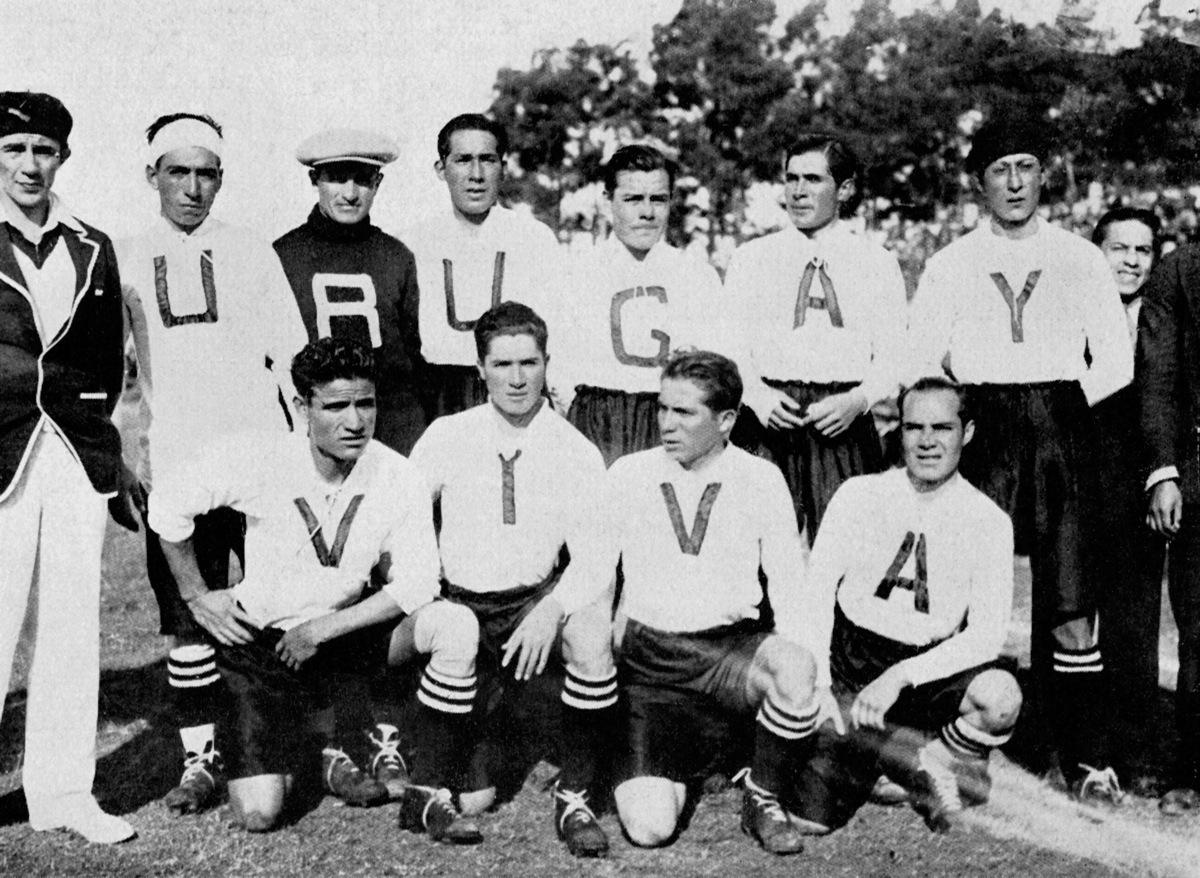 Уругвай-хозяин первого футбольного чемпионата Мира